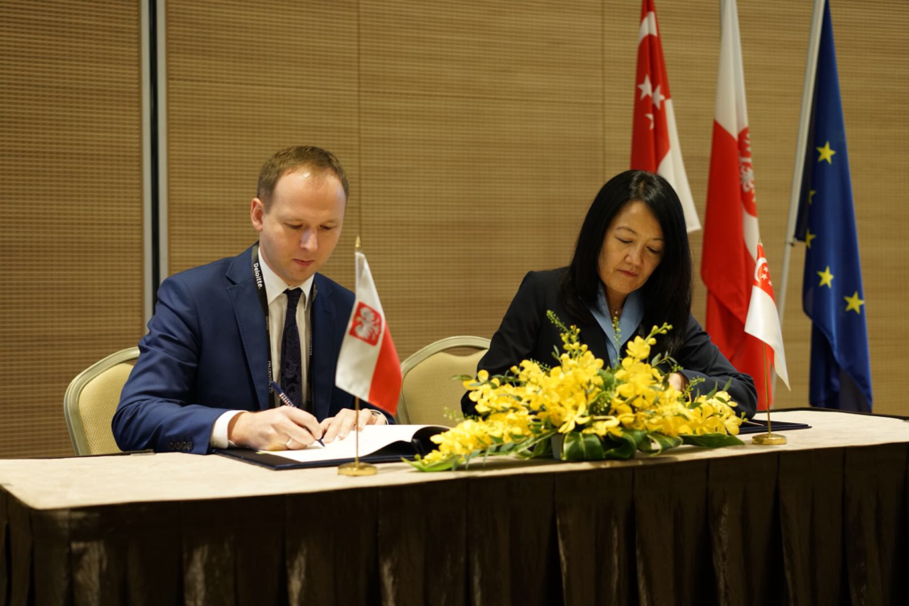Monetary Authority of Singapore and the Polish Financial Supervision Authority Expands Co-operation in FinTech