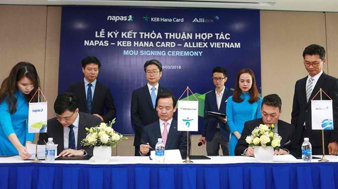 NAPAS to improve cashless payment system in Việt Nam