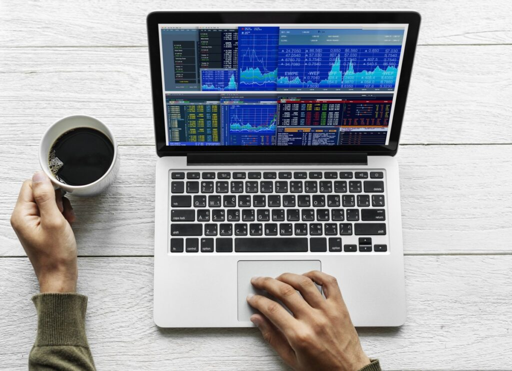 Image: Financial charts, PxHere.com