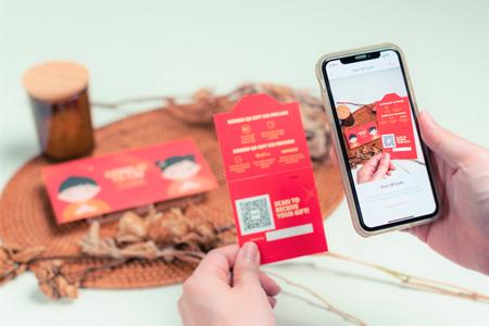 DBS customer scanning a DBS QR Gift card, DBS.com